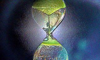 Inversione temporale. Nuovi approcci teorici.