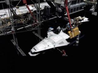 Una stazione di servizio lunare avvierà un'economia dello spazio accelerandone la conquista.