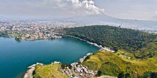 La città di Goma, tra il lago Kivu e il vulcano Nyiragongo. | Dario Tedesco / GVO
