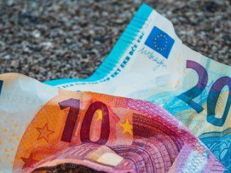 Aumenta il debito pubblico dell'Italia ma con il rating invariato