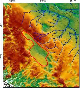 Tramite complessi strumenti geofisici i ricercatori sono riusciti a mappare con relativa precisione l'antico bacino lacustre sepolto sotto 1,8 km di ghiaccio in Groenlandia (credito: Paxman et al., EPSL, 2020)