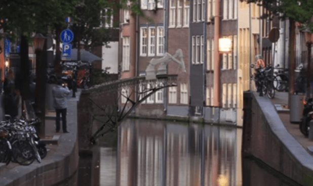 Il ponte autocostruente ad Amsterdam. tedx.com