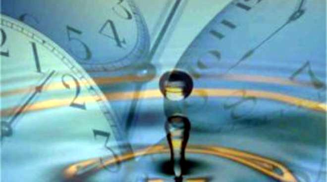 Contrasto sul concetto di tempo relativistico e quantistico