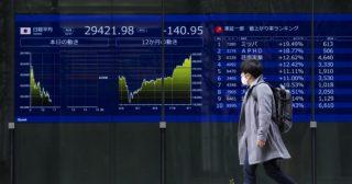 Collassa il fondo speculativo Archegos. Nomura e Credit Suisse annunciano perdite miliardarie. Il pericolo dell'effetto domino