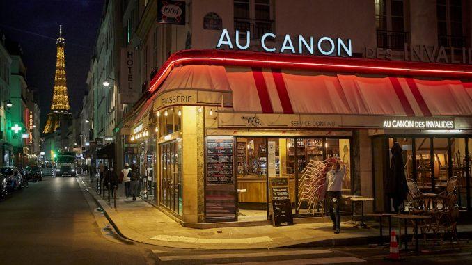 La chiusura prima del coprifuoco a Parigi, Francia, 17 ottobre 2020 (Kiran Ridley/Getty Images)