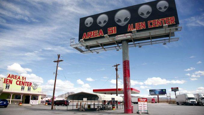 Obama conferma che vi sono prove degli UFO nascosti nell'Area 51