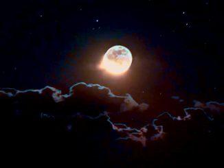 Mercoledì l'evento mondiale della superluna con eclissi solare
