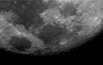 La Luna osservata al telescopio il 27 aprile 2021. Crediti: Mario Guarcello, Inaf