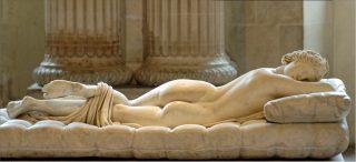L'Ermafrodito Borghese,copia romana del ll secolo dopo Cristo, da un originale ellenistico
