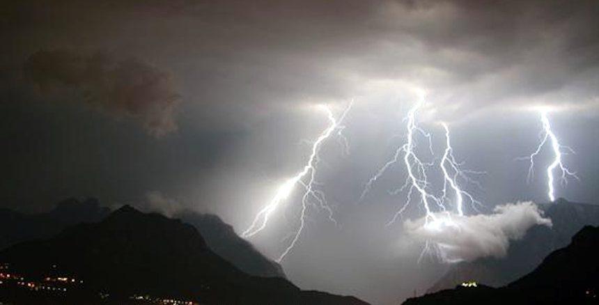 Bombe d'acqua e temporali a causa dei cambiamenti climatici