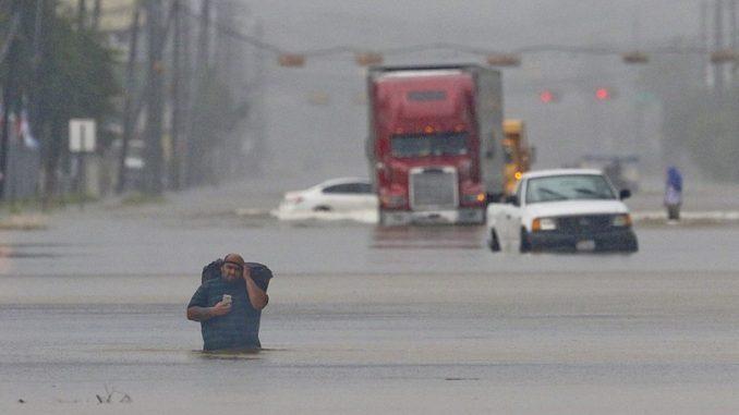 Le inondazioni a Houston