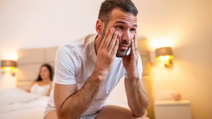 Uno degli aspetti meno conosciuti della covid riguarda la salute sessuale maschile. Shutterstock
